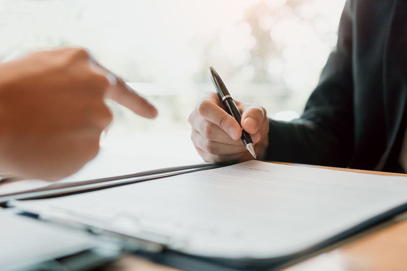 Pros and Cons to Co-Signing a Mortgage - Source Mortgage Centre - Mortgage Brokers - Featured Image