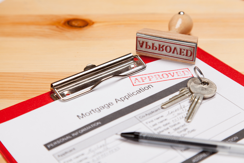 What Do Lenders Focus on When Approving Mortgage Applications - Source Mortgage - Mortgage Brokers - Featured Image