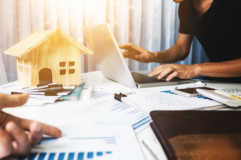 What To Look For When Buying An Investment Property - Source Mortgage - Mortgage Brokers in Alberta - Featured Image