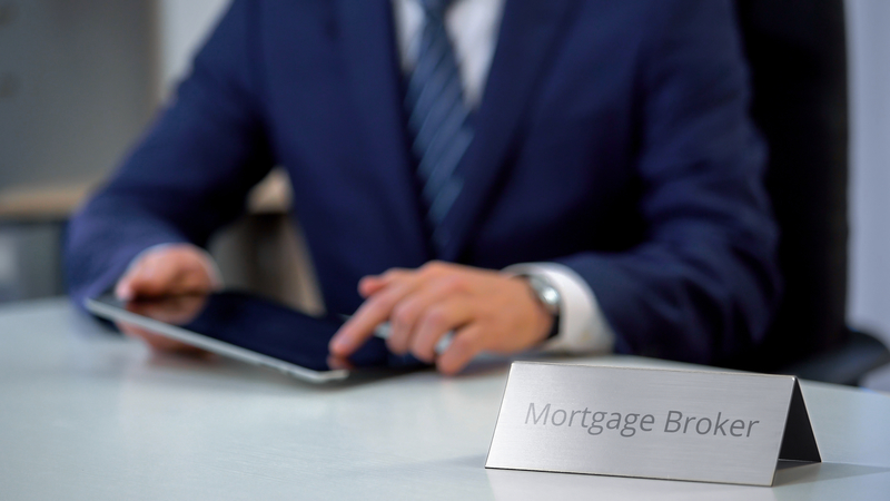 Your Mortgage Is Up For Renewal, Is It Time to Switch Providers? - Source Mortgage - Mortgage Experts Alberta - Featured Image