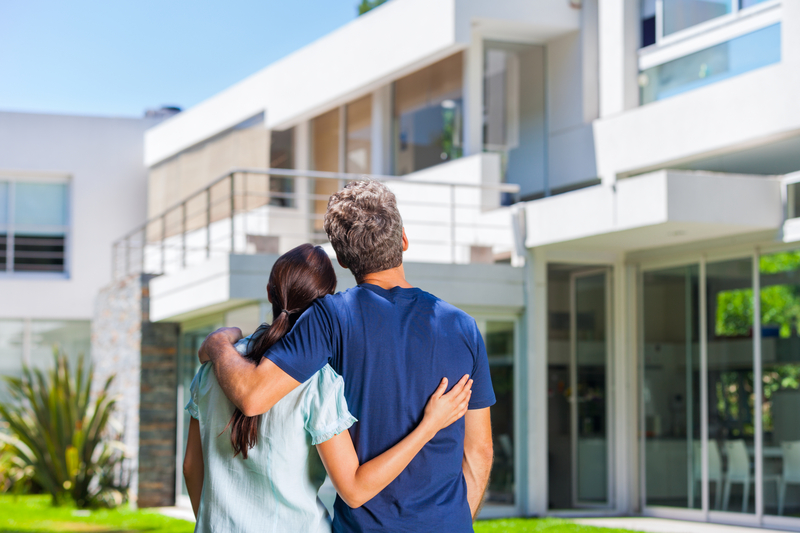 What to Consider When Upsizing Your Home - Source Mortgage Centre - Mortgage Brokers - Featured Image