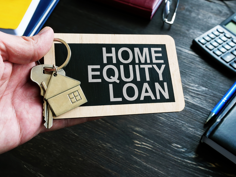 Home Equity Loan vs HELOC - Source Mortgage Centre - Alberta Mortgage Brokers - Featured Image