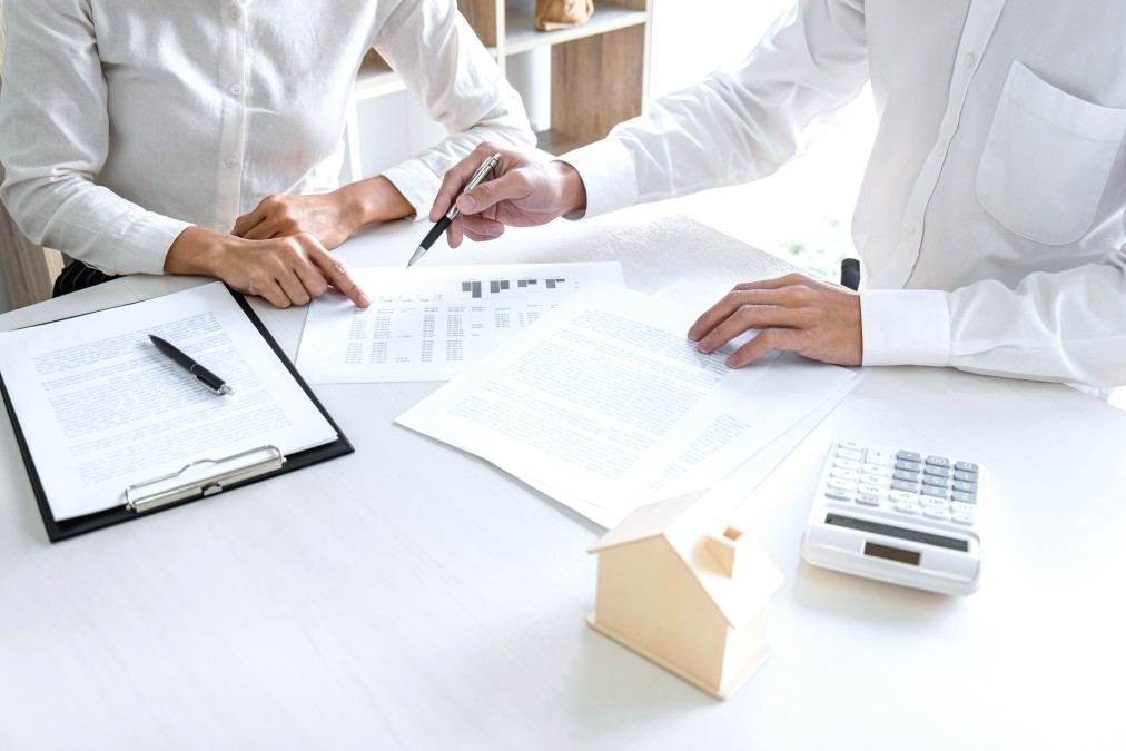 Breaking Down CMHC Mortgage Loan Insurance - Source Mortgage Centre - Mortgage Brokers Alberta - Featured Image